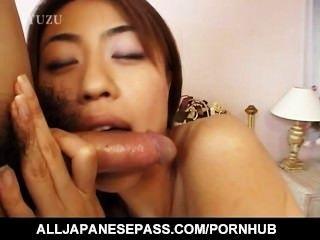 Busty aya kurosaki e seu fuck buddy passar o dia nua na cama fucking