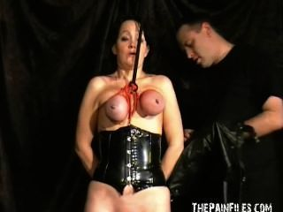 Escrava madura madura escravo encapuçado escravidão de peito e vicioso tit tortura