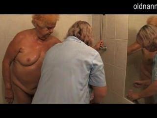 Granny 86yo está preparado para foder de mulher madura