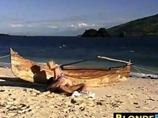 Loira babe anal fodido na praia