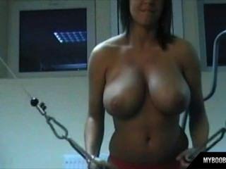 Myboobs.eu mostrar busty polaco estrela kora kryk na academia
