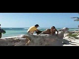 Putas alegres na praia do paraíso!