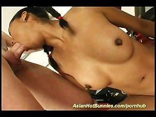 Bunnie quente asiático