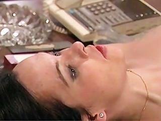 Linda morena leva anal batendo