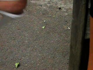 Pés maduros em salto alto