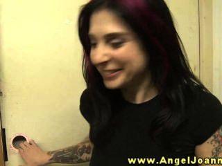 Anjo joanna tem um desejo por buceta