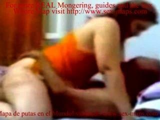 Busty indian prostitute equitação velho homem no quarto do hotel cam escondido vídeo