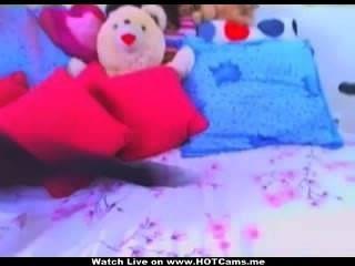 Morena teen babe didloing sua buceta cremosa