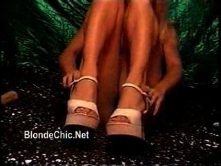 Meninas, tocando, solo, mini, saias