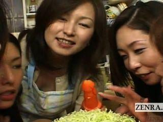 Subtítulo japão milfs e pumas cfnm festa de comida oral