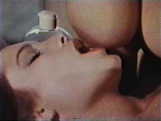 Lesbian peepshow loops 626 70s e 80s cena 2