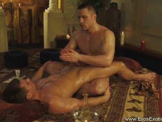Descobrir este ritual tantra erótico