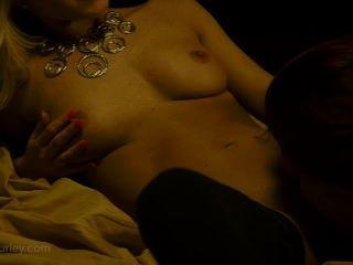 Sexo lésbica quente com ashley graham e niki lee young