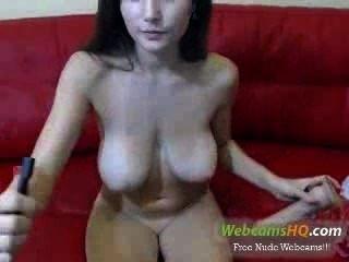 Masturbação porno muito quente, morena, busty, na webcam