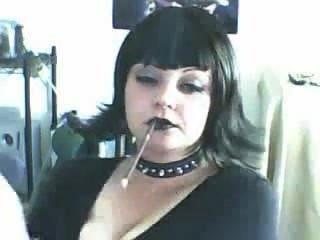 Bela goth slut fumando mais 120s