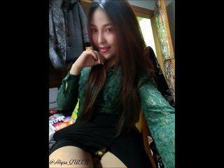 Menina asiática quente alysa