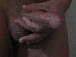 Uma massagem da próstata com cum