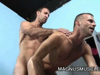Mitch brawn e steven richards músculo dilfs butt pluggers