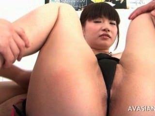 Asiático, cadela, espalha, peludo, pussy, largo, abertos