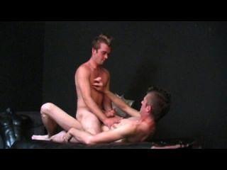 Guia de cena do sexo anal 1