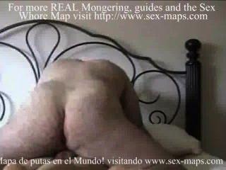 Prostituta faz anal com um turista