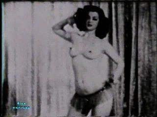 Softcore nudes 114 40s e 50s cena 1