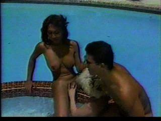 Transexual trío piscina fantasia