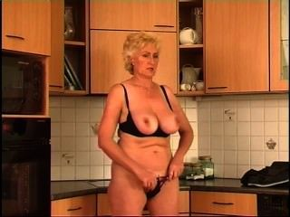 Secrets of horny mature 2 cena 2