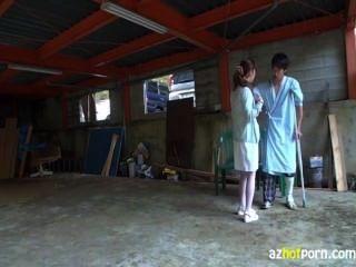 Enfermeiras seduzem pacientes a fuder ao ar livre