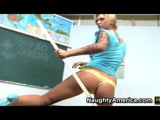 Brooke banner - um professor quente teases com pés e buceta