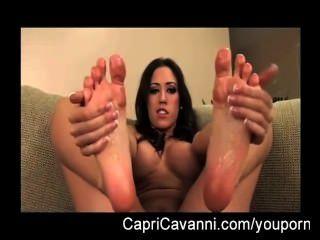 Capri cavalli (cavanni) óleos e suga seus pés