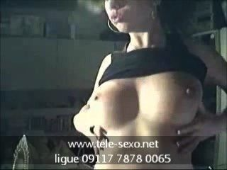 Garota sexy mostra seus seios tele sexo.net 09117 7878 0065