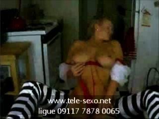 Busty babe posando em webcam www.tele sexo.net 09117 7878 0065