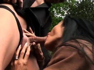 Sidney prostituta sem vergonha fode por dinheiro sem camisinha