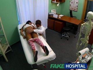 Fakehospital jovem adolescente menina não sobre controle de natalidade curvas mais de médicos cr