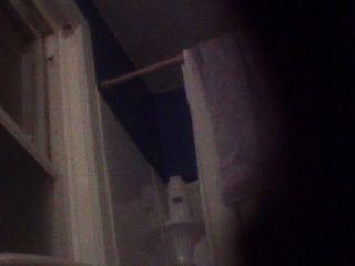 Bj e sua filha pego em vídeo enquanto no banheiro