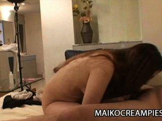 Ayako sakuma: suculenta esposa japonesa traindo seu marido