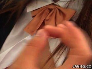 Japonês adolescente yuki hirai fica apanhado então suga sem censura