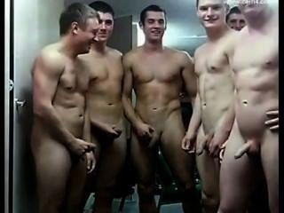 Soldados nus