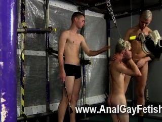 Gay porno aiden tem seu companheiro diácono ao redor e os caras decidem que querem