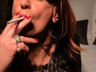 Cynthia cd / tv fumando seu primeiro vs 120