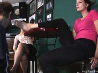 Ffc lambendo pés suados serviço