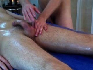 Massagem sensual do lingam 4