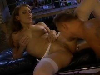 Bela loira gilda roberts ter sexo anal no laboratório