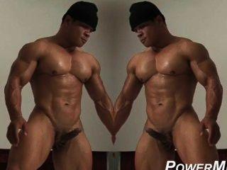 Músculo quente guy fica sozinho