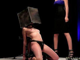 Bdsm, babe, cabeça, aço, caixa, spaked