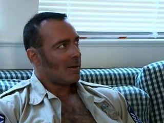 Soldado do paizinho do sexo de sábado, policial quente \u0026 indivíduo novo
