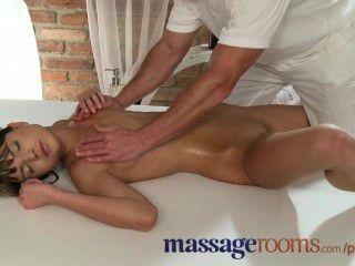 Salas de massagem petite pequeno tits babes obter buracos apertados preenchido por massagista
