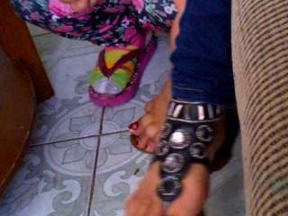 Meu 19yr velho primo pés e sandálias