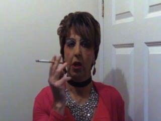 Mandytv1 crossdressing fumando hag